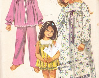 Simplicity 9095 Vintage Pattern Girls Nightgown, Pajamas and Baby Dolls Size 10