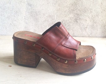 Vintage Women's size 9 Candies super chunky platform clog sandals, red brown leather retro wedge heel sandal clogs, vintage boho hippie clog