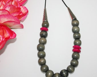 Wooden Necklace || Grey