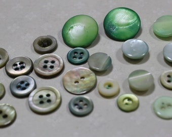 Green Mother of Pearl Buttons 28 Dyed Green MOP Button