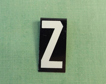 """vintage 40's letter Z industrial metal sign 1.5"""" long .5"""" wide black & white hanging small little tiny mini baked on enamel church board old"""