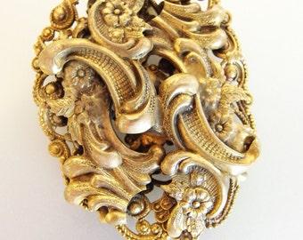 Lovely Vintage Fancy Brass Dress Clip