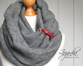 CHUNKY tube SCARF with clasp, high street fashion infinity scarf, cozy snood, simple winter scarf, gift ideas