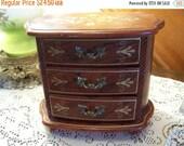 Valentines SALE Vintage Decorative Jewelry Box, Musical, Royal Sealy, Japan, Shabby