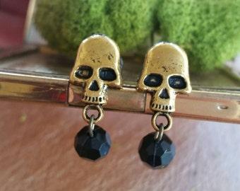 2g Gold Skull Girly Dangling  Plugs
