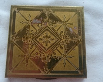 Vintage British Searchlight Powder or Makeup Compact 1940's - 1950's Gold Metal