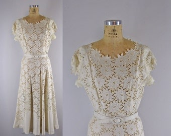 Vintage 1950s Dress l 50s Cutwork Linen Dress