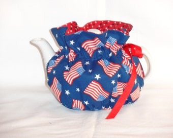 2 Cup Pretty Patriotic Reversbile Teapot Cozy