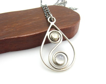 Sterling Silver Cat's Eye Moonstone Chalcedony Teardrop Pendant Necklace Peace and Clarity Healing Stone Jewelry