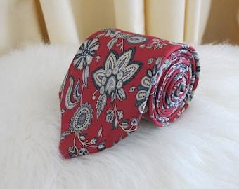 Vintage 90s Christian Dior Silk Paisley Floral Maroon Genuine Designer Italian Fabric Necktie Tie
