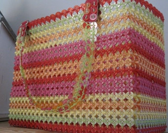 BUTTON purse in bright colors of red green pink orange and yellow