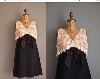 25% off SHOP SALE... vintage 1960s dress / crochet lace black dress / 60s dress