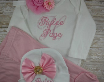 Baby girl coming home outfit, baby girl take home outfit, newborn girl clothes, baby girl outfit, personalized, Name, hat, baby shower, set