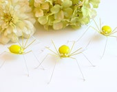 Three 3 inch Hanging Yellow Green Spiders Copper Wire Art Bugs Unique Home Decoration Halloween Display Source Insect Collector Bug Kitchen
