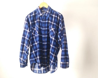 GRUNGE FLANNEL plaid pattern button up shirt blue & white twin peaks shirt