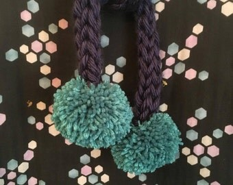 Navy chunky knit pom pom scarf