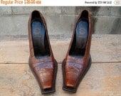 ON SALE Vintage / Gianni Bravo / Italian / Crocodile Print / Leather / Square Toe / Heels / 35.5 / Size 6