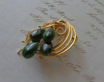 SALE Vintage Jade Brooch with Filigree and golden finish