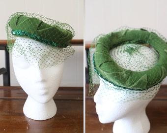 Vintage Hat Holiday Party Christmas 1950s Green Velvet Veil Women's