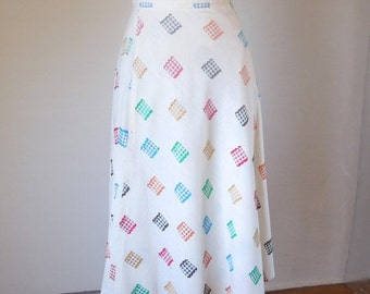 SUPER CUTE Vintage 70's Wrap Skirt, Gingham Details on White, Adjustable, Women's Size Small to Medium