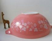 Pyrex Pink Gooseberry 444 Cinderella Mixing Bowl 4 Quart Sold As Is