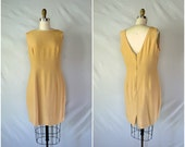 vintage nude shift dress / simple low back fitted wiggle dress / large