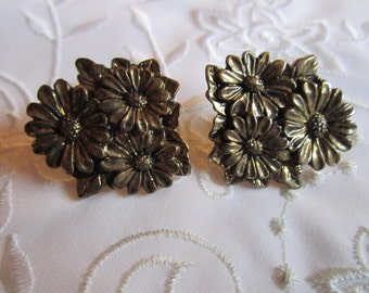 Vintage Pair of Pewter Flowered Pinch Pins