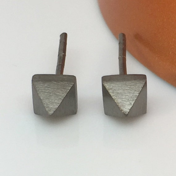 Men's stud earrings, space grey pyramid stud earrings, black stud earrings for men, spike stud earrings, E311MB