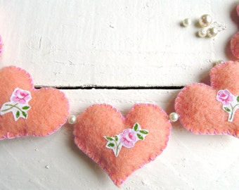 Pretty Vintage Heart Garland