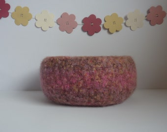 FELTED 'FUSSPOT' bowl,  'Fleur '. Wool bowl.  Home decor . UK seller .... ready to ship....
