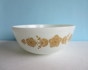 Vintage Pyrex Butterfly Gold Mixing Bowl