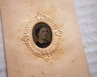 Antique 1860s Gem Tintype Carte-de-visite Mount Civil War Woman Arcade Gallery Providence Rhode Island