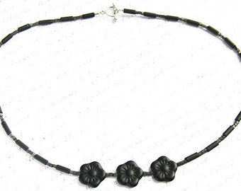 Thin Black Choker Necklace Artisan Glass Bead Flower Rings Modern Minimalist Simple Necklace Miniature Cube Beads Tube Sterling Silver Gift