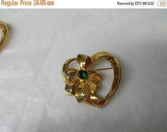 CIJ 60% SAVINGS Avon Birthstone Heart May Pin Mint condition  gold tone 1992