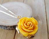 30% Labor Day Sale: Large Yellow Rose Flower Resin Necklace/ Resin Plastic Lucite Necklace/ Yellow Bright Gold Plated Necklace/ Statament Fl