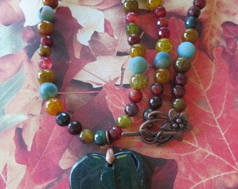 Green and Orange Agate Beaded Necklace with Agate Heart Pendant
