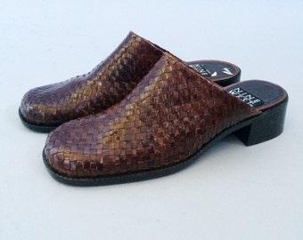 90s Brown Mules- 6, Deadstock Round Toe Woven Heel