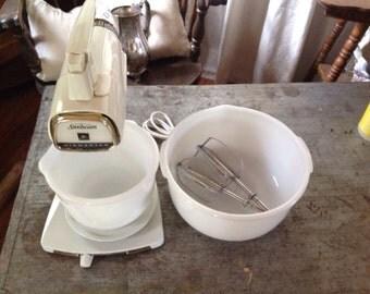 Vintage Sunbeam Mixmaster Mixer 2 Mixing Bowls