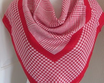 "Beautiful White Red Houndstooth Wool Scarf // 32"" Inch 81cm Square"