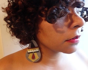 hand cut geometric neutrals x golden, adobe and chocolate brown polyurethane earrings.