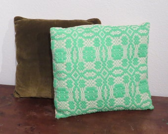 FREE SHIPPING Vintage Knit Pillow, embroidered, aqua lace pattern