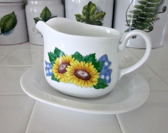 Vintage Corning Sunsations Sunflower Gravy Boat with Under Plate - Sunflowers and Gingham Sauce Boat - Cottage Chic - Collectable - Bobann23