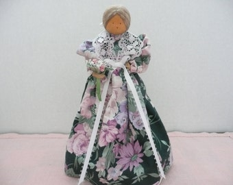 Pine Baroness Dolls - Little Liebchens - Little Loved Ones - Handmade Spool Doll - Souvenir of Pennsylvania