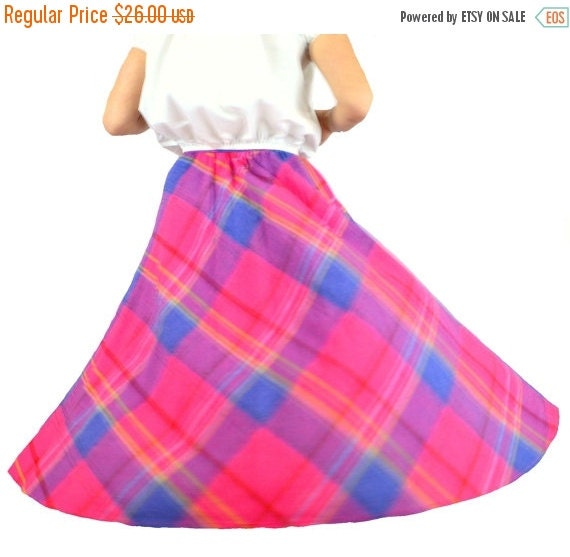 plaid skirt pink and blue vintage 1980s size small 24 inch