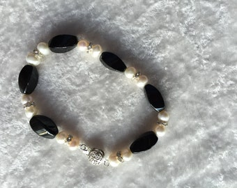 Black Onyx Bracelet, Pearl Bracelet, Beaded Bracelet, Gemstone Bracelet, Gift for Her, Natural Pearl, Black Onyx Jewelry, Pearl Jewelry