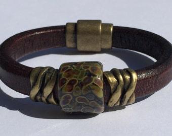 Tortoise Lampwork Regaliz Leather Bracelet