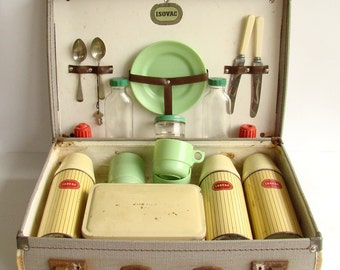 1950s Picnic Set, Thermos Set, Suit Case, Picnic Lunch Set, 50s Retro, Isovac Set, Green Red Yellow,