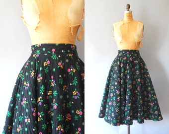 s a l e 1950s Circle Skirt / Quilted Floral Skirt / 50s