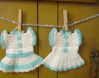 Vintage Hand Crochet Crocheted Dress Hot Pads Pot Holders ~ Pristine Set of 2 Two ~ Aqua and Cream