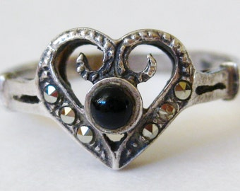 Vintage Ring Jeweled Onyx Marcasite Sterling Silver Heart Ring size 7
